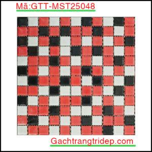 Gach-mosaic-thuy-tinh-chip-25x25x4mm-3-mau-hon-hop-GTT-MST25048