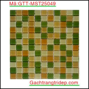 Gach-mosaic-thuy-tinh-chip-25x25x4mm-3-mau-hon-hop-GTT-MST25049