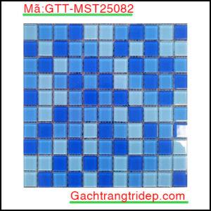 Gach-mosaic-thuy-tinh-chip-25x25x4mm-3-mau-hon-hop-GTT-MST25082