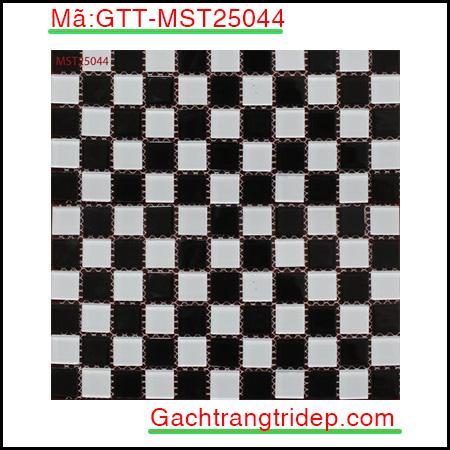 Gach-mosaic-thuy-tinh-chip-25x25x4mm-mau-den-xam-GTT-MST25044