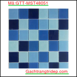 Gach-mosaic-thuy-tinh-chip-48x48x4mm-3-mau-hon-hop-GTT-MST48051