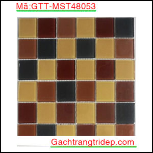 Gach-mosaic-thuy-tinh-chip-48x48x4mm-3-mau-hon-hop-GTT-MST48053