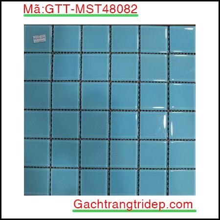 Gach-mosaic-thuy-tinh-chip-48x48x4mm-3-mau-hon-hop-GTT-MST48082