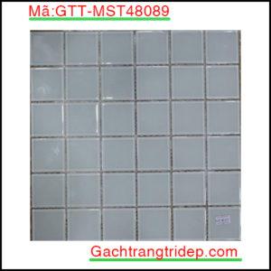 Gach-mosaic-thuy-tinh-chip-48x48x4mm-3-mau-hon-hop-GTT-MST48089