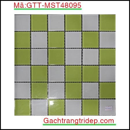 Gach-mosaic-thuy-tinh-chip-48x48x4mm-3-mau-hon-hop-GTT-MST48095