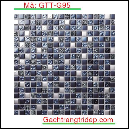 Tên sản phẩm Gạch Mosaic trang trí Mã sản phẩm GTT-G91 Số vỉ/ hộp 22 Kích thước vỉ 300x300mm Số vỉ/ m2 11 Giới thiệu về gạch mosaic nói chung và gạch mosaic gốm nói riêng: Việc sử dụng gạch mosaic để trang trí đã xuất hiện ở châu Âu vào thời kỳ cổ xưa, chúng ta có thể thấy chúng ở các công trình kiến trúc như lâu đài, nhà thờ. Ngày nay, cùng với sự phát triển của khoa học và kỹ thuật, nhu cầu về trang trí nội ngoại thất ngày càng tăng cao người ta ngày càng sử dụng gạch mosaic để trang trí nhiều hơn. Để đáp ứng nhu cầu đó trong những năm gần đây gạch mosaic đã không ngừng phát triển. Cấu tạo của một tấm gạch mosaic thường gồm 3 lớp: Lớp dưới cùng là chứa sợi thủy tinh hoặc kafl dùng để kết dính các mảnh gạch với nhau. Lớp ở giữa : là lớp keo liên kết giữa vật liệu và lớp giấy. Lớp trên cùng là lớp vật liệu mosaic: Có thể là gạch mosaic gốm, đá tự nhiên hoặc thủy tinh. Căn cứ vào lớp trên của gạch mosaic mà ta phân loại thành các loại gạch mosaic sau đây: _ Gạch mosaic gốm: Có lớp bề mặt trên khảm gốm, men tiện lợi trong việc làm gạch lát nền nhà, dán trang trí tường. _ Gạch mosaic thủy tinh: Có lớp bề mặt trên khảm thủy tinh, hiện đại, chống ẩm và chống thấm nước cực kỳ tốt. _ Gạch mosaic đá tự nhiên: Có lớp gạch trên khảm đá trong suốt, tiện lợi để làm gạch lát sàn sân vườn.