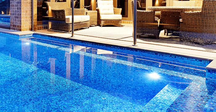 Lý do dẫn đến gạch mosaic trở thành vật liệu ốp hồ bơi được ưa chuông nhất-2