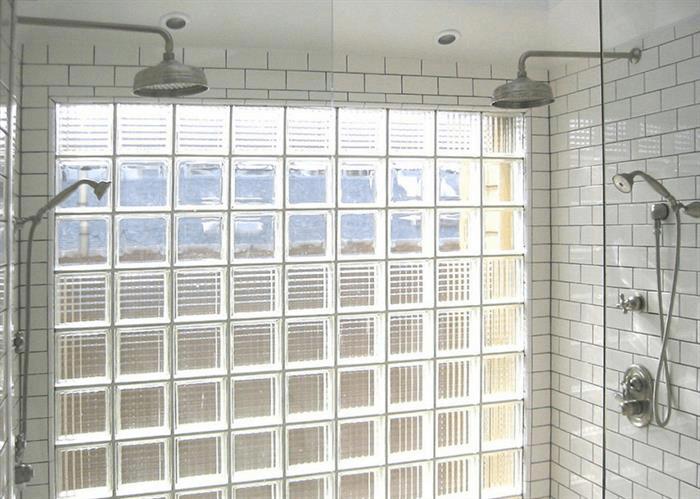 Vách ngăn bằng kính cạnh cầu thang sẽ giúp cho cầu thang thêm phầnấn tượng hơn-3